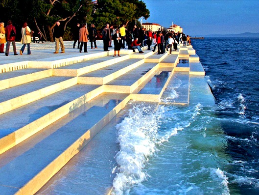 zadar_sea_stairs_evening